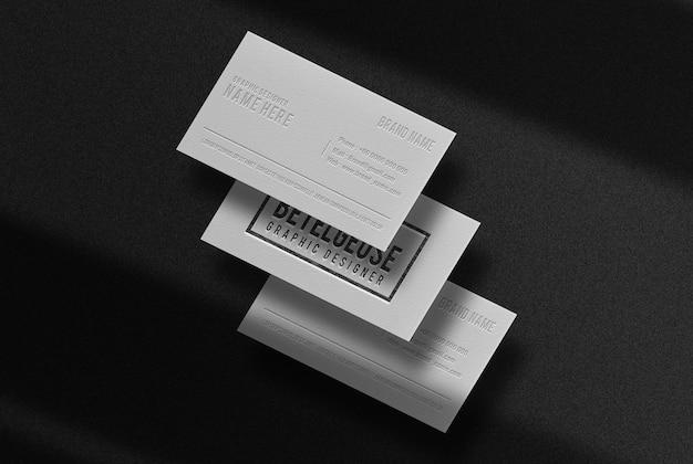 Lusso disegnato in mockup di biglietti da visita in rilievo a matita