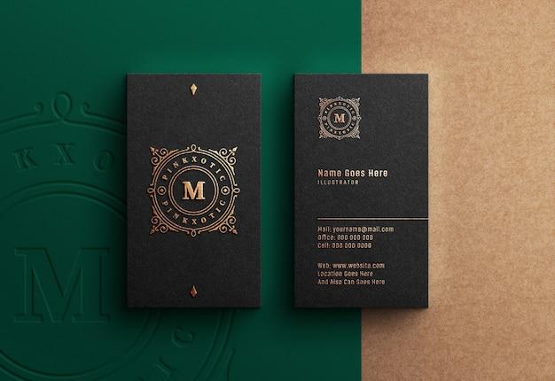 Mockup logo di lusso sul biglietto da visita nero