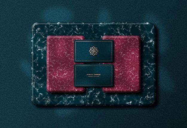 Biglietto da visita moderno di lusso e mockup del telefono premium psd