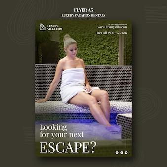 Modello di stampa verticale per case vacanze di lusso