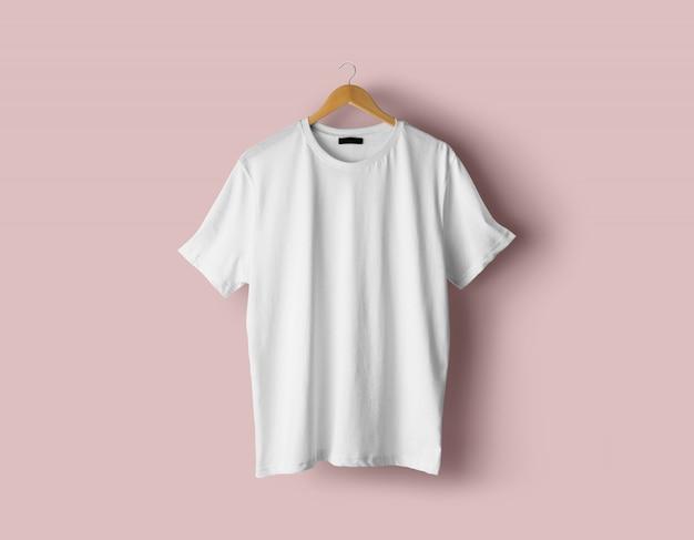 Mockup di t-shirt da uomo