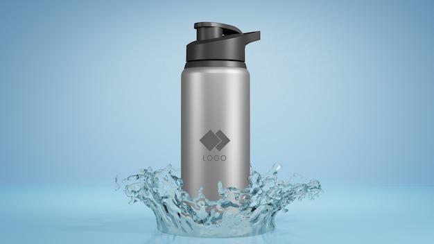 Mockup di acqua in bottiglia di metallo con spruzzi d'acqua