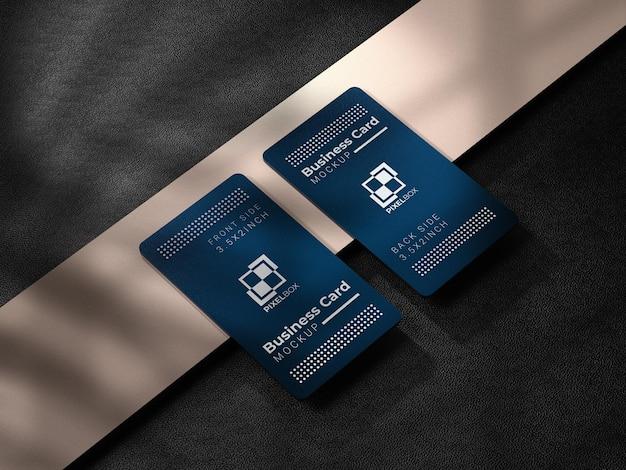 Biglietto da visita in metallo con sfondo scuro
