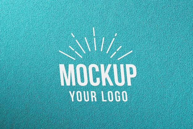 Mock-up minimalista con struttura in materiale liscio