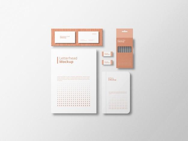 Mockup stazionario minimalista con sfondo bianco