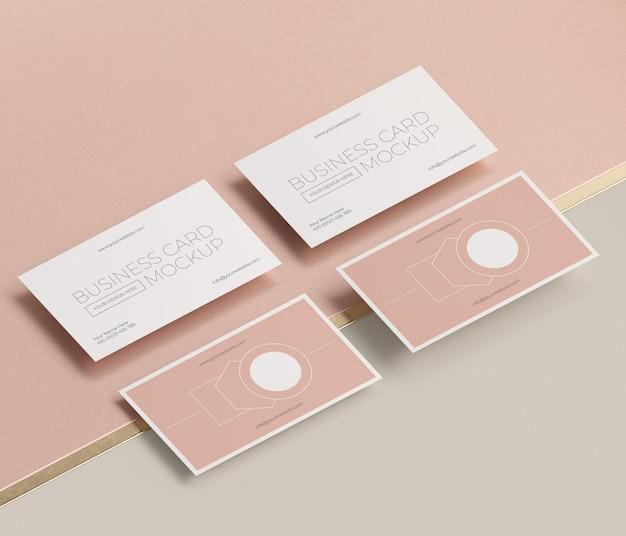 Mock-up di biglietto da visita in rame levitante metallico Psd Premium