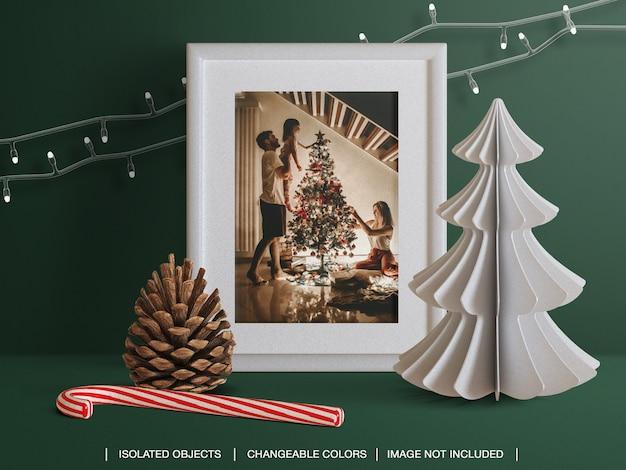 Mockup di cornice per biglietti di auguri per le vacanze con creatore di scene di decorazioni natalizie