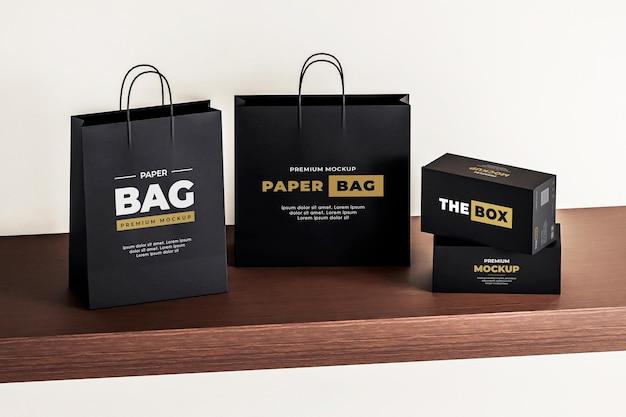 Scatola per sacchetti di carta mockup nera realistica