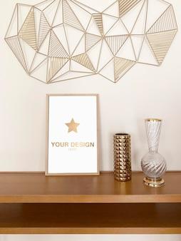 Poster di mockup con rendering di decorazioni in oro
