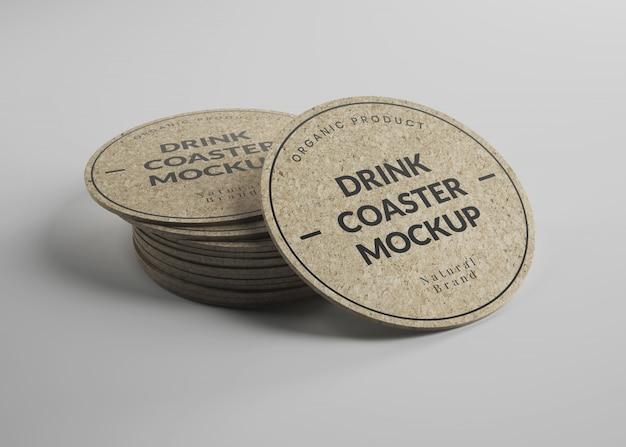 Modello di round cork drink coasters in vista isometrica