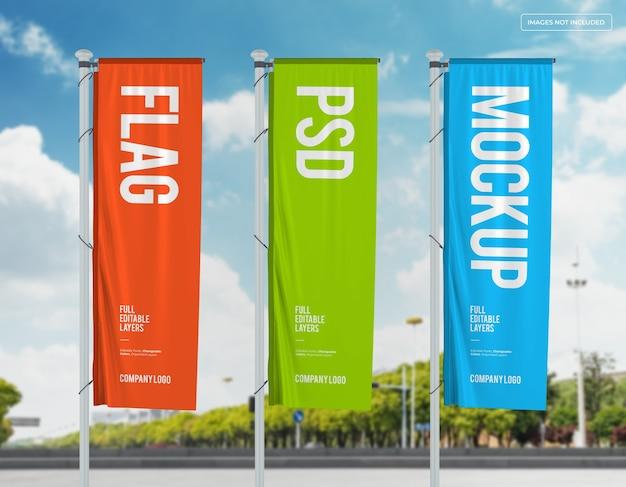 Mockup di tre bandiere verticali design