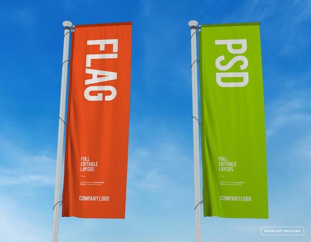 Mockup di due bandiere verticali design