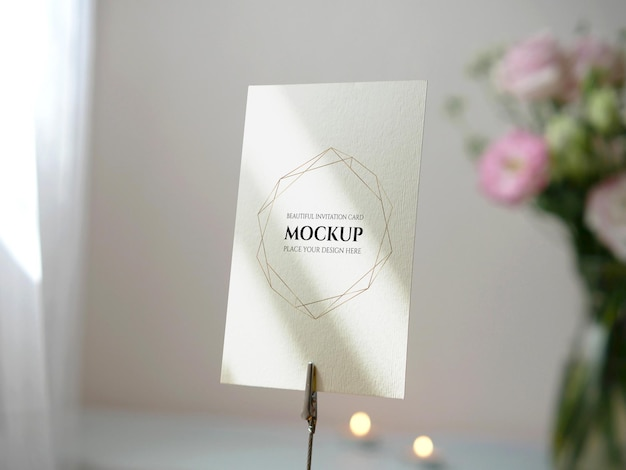 Mockup carta spazio vuoto bianco per invito a nozze numero tavolo saluto