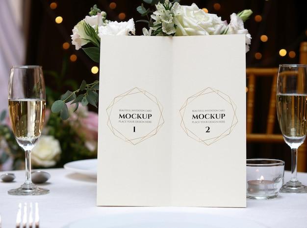 Carta di spazio vuoto bianco mockup per menu.