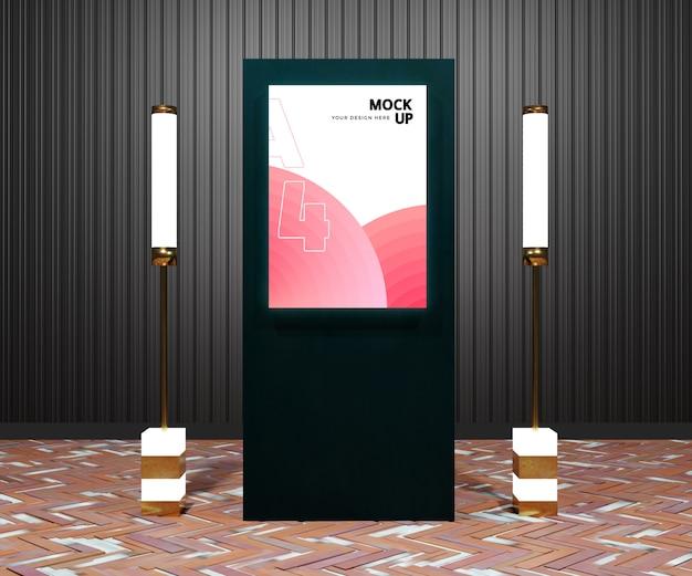 Modello moderno del tabellone per le affissioni nella città di notte