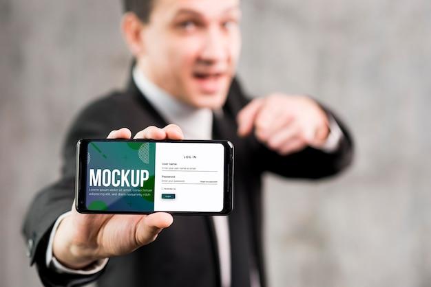 Concetto di uomo moderno con mock-up