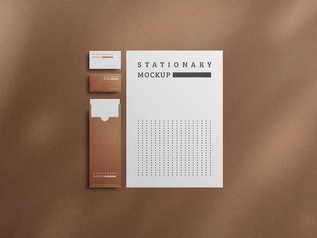 Design moderno del mockup di cancelleria