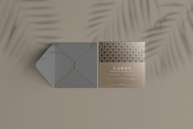 Mockup di carte quadrate multiuso con angoli piatti
