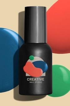 Flacone di smalto per unghie mockup psd per la confezione di prodotti di bellezza
