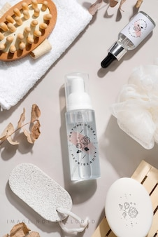 Cosmetici termali naturali e concetto di trattamento biologico per la pelle grigia