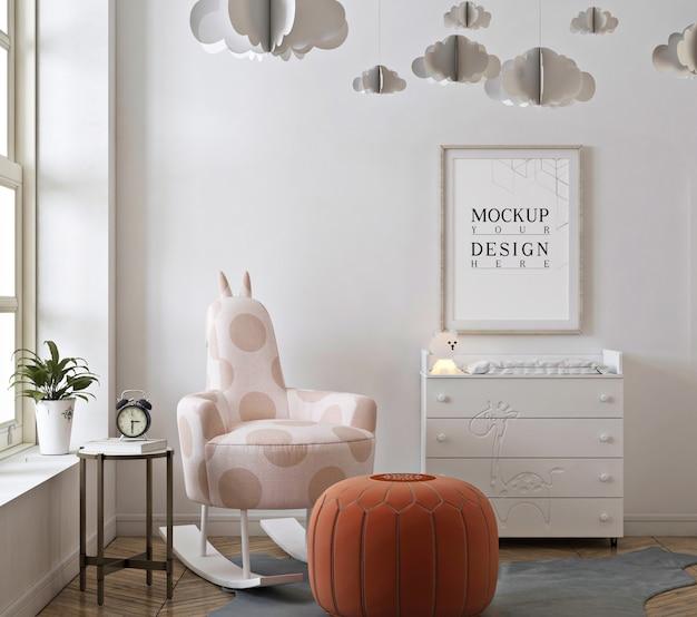 Camera da letto della scuola materna con cornice per poster mockup e sedia a dondolo