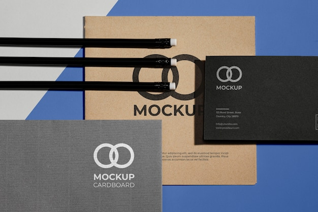 Mock-up di cancelleria per ufficio con carta
