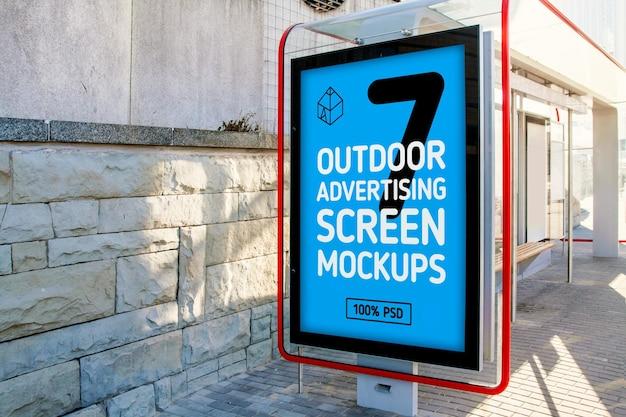 Mock-up dello schermo pubblicitario per esterni