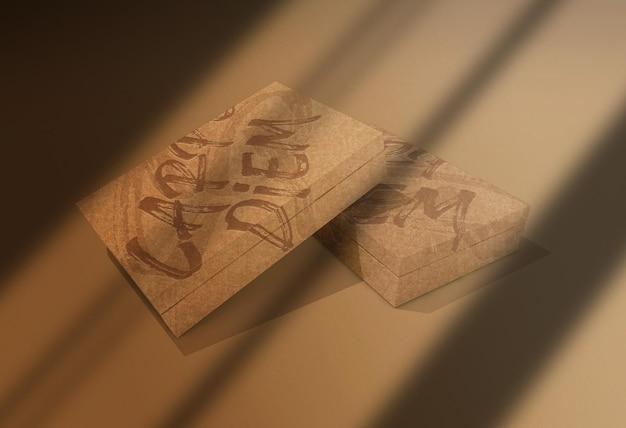 Mockup di imballaggi di scatole di carta in rilievo