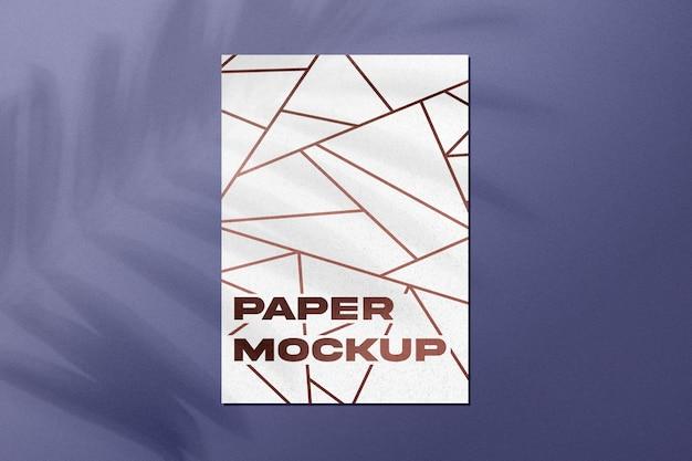 Mockup di carta con sovrapposizione di ombre