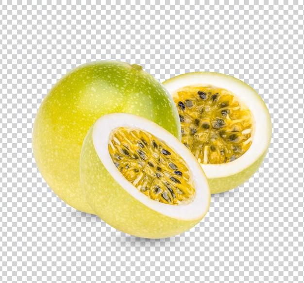 Frutto della passione; passiflora edulis con foglie isolate psd premium