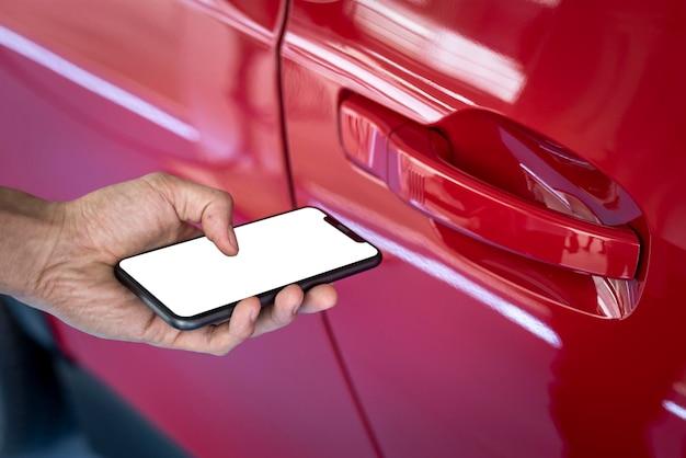 Mockup dello schermo del telefono che sblocca l'auto autonoma psd