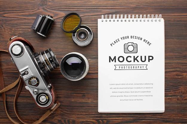 Workshop di fotografo con taccuino mock-up