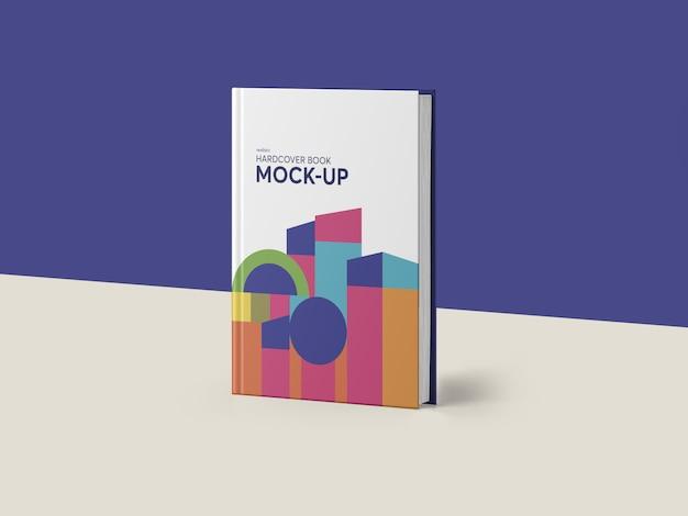 Mockup fotorealistico del libro a copertina rigida