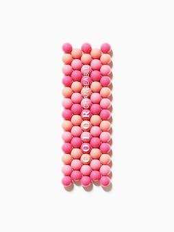 Tavolozza di palline rosa lucide