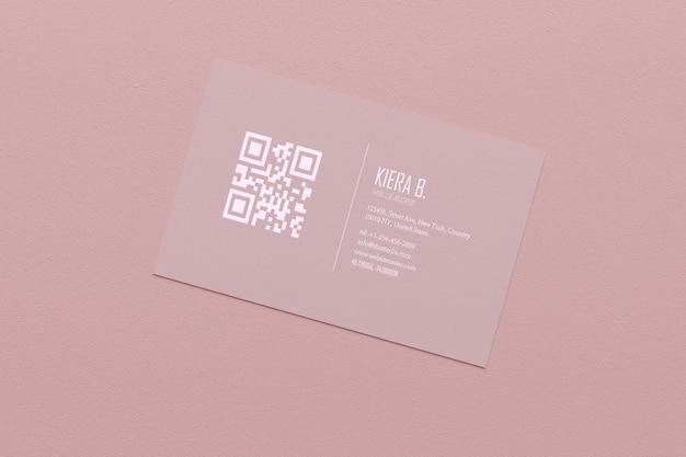 Modello pastello rosa del modello della carta del biglietto da visita con la copertura dello spazio