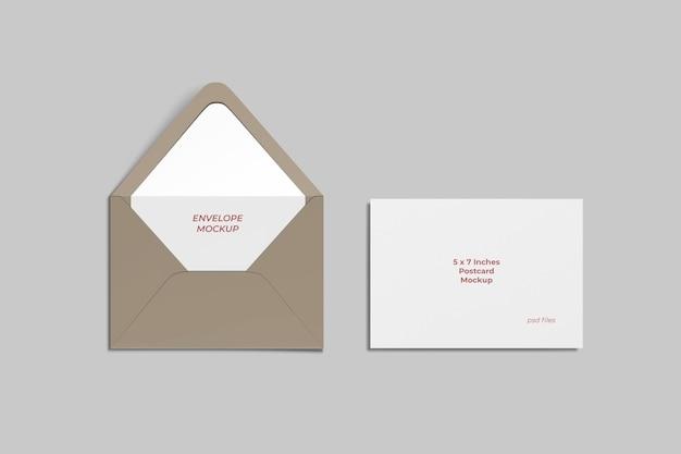 Mockup di cartolina e busta