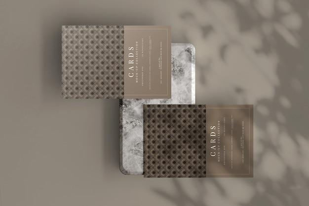 Cartolina o biglietto d'invito mockup con angoli piatti