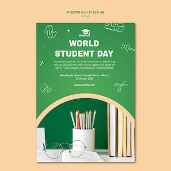 Poster torna al modello di scuola