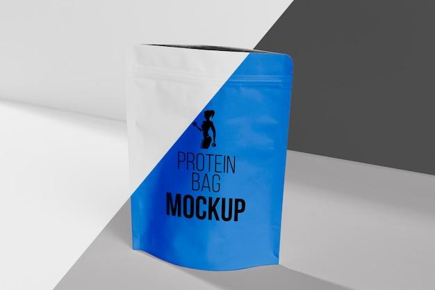 Concetto di mock-up palestra borsa di proteine