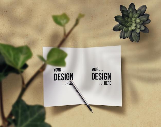 Design mockup biglietto di auguri pronto per l'uso