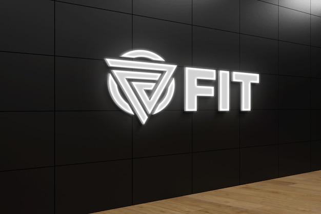 Modello realistico di logo al neon 3d sulla parete