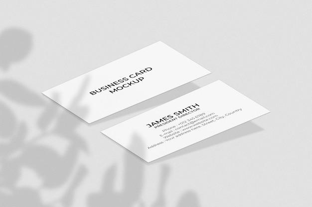 Modello di biglietto da visita realistico con sovrapposizione di ombre