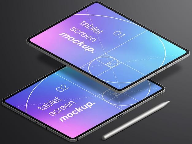 Mockup isometrico realistico isolato di due schermi di dispositivi tablet con matita stilo