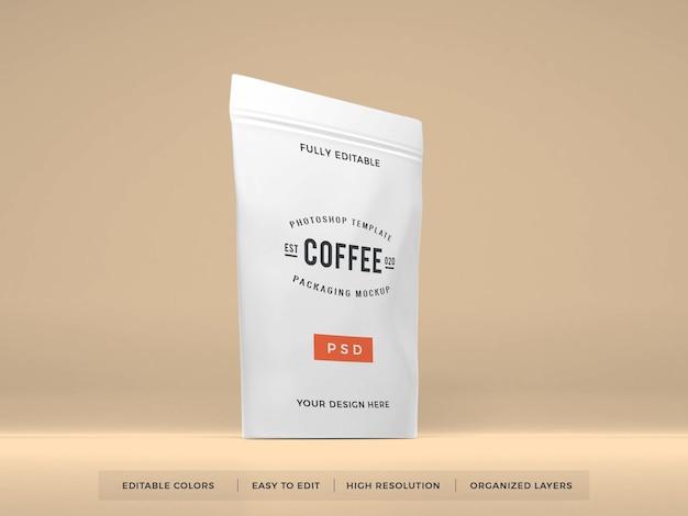 Mockup di imballaggio di caffè in plastica realistico