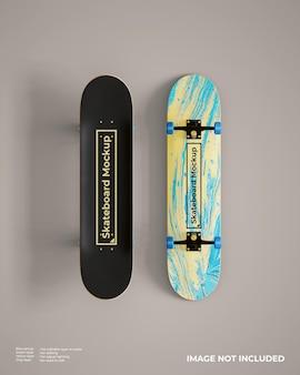 Mockup di skateboard realistico in alto e in basso