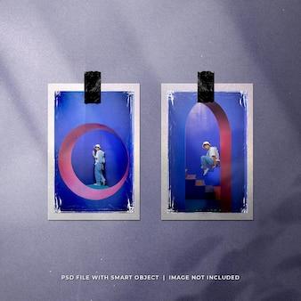 Mockup di foto polaroid di gemelli realistici con involucro di plastica