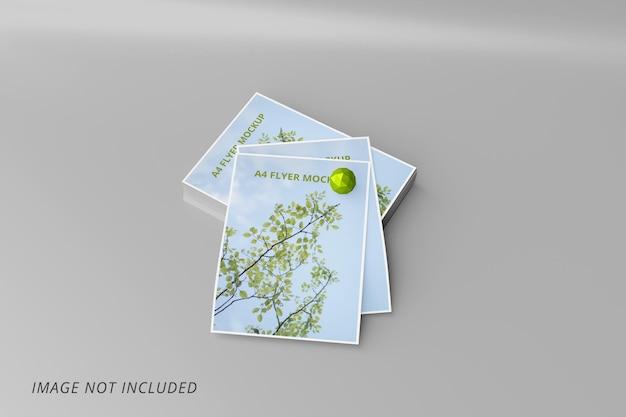 Realistico 4 flyer mockup isolato
