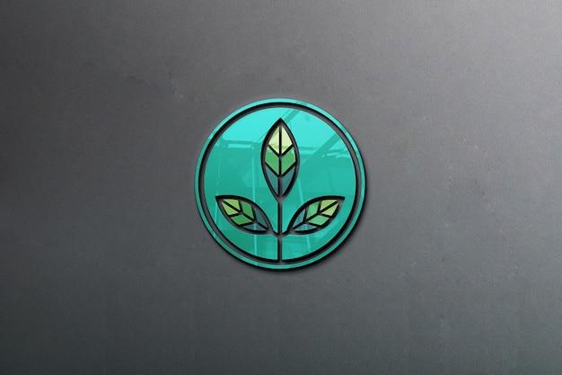 Mockup logo riflettente sul muro
