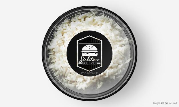 Mockup di scatola di insalata con etichetta sul riso