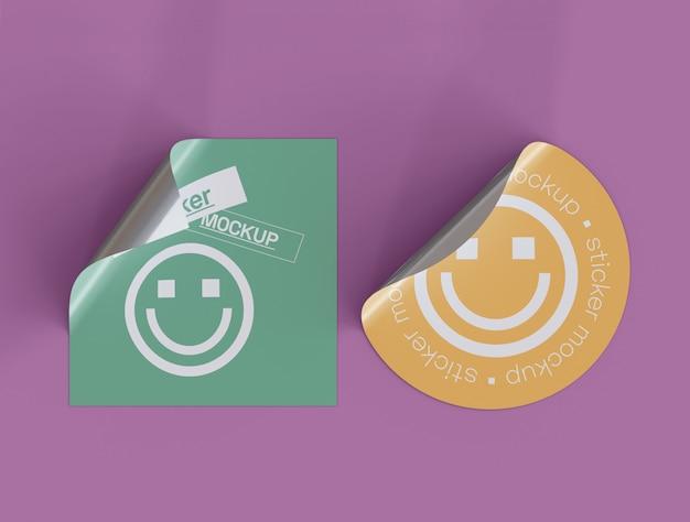Set di due adesivi adesivi mockup